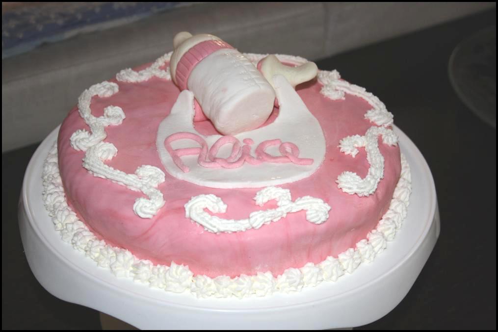 Torte Da Credenza Alice : Torta bebè in pasta di zucchero per il primo complimese alice